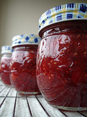 rhubarb,raspberry,jam